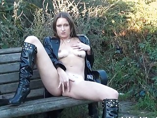 sexy american woman randy dildoing outdoors