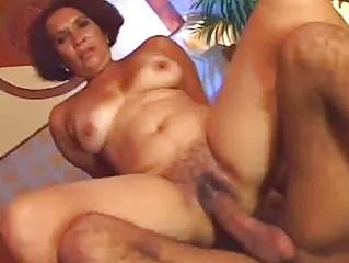 horny ethnic lady prefers raw kitty fuck