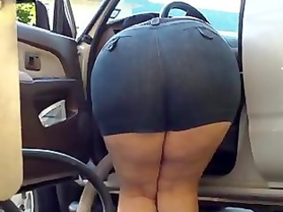 lady bend over heavy - huge ass - plumper booty -