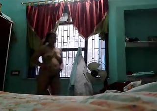 indian aunty megha rani showing her hawt body
